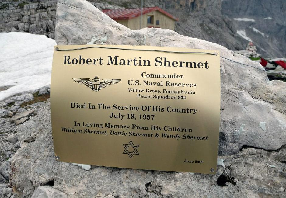 The plaque in memory of Robert Martin Shermet