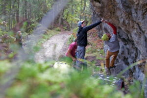 Bouldering a Cortina