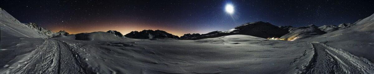 La luna illumina l'Altopiano di Sennes